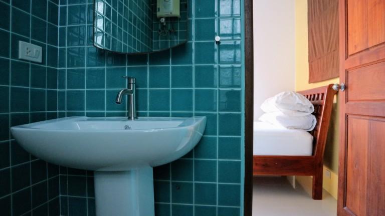 Toilet 7 muay thai camp single room