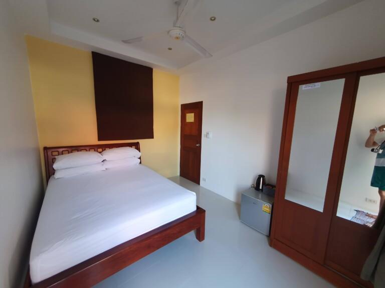 Queen bed room 7MT