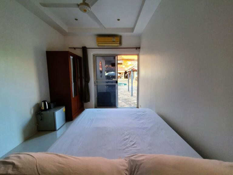 Queen size bed 7MT